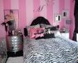 dormitor-negru-si-roz