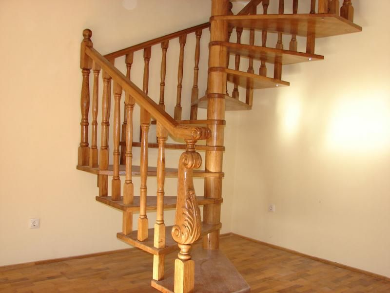 scari interioare spirala