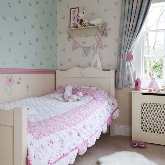 camera copilului in culorile primaverii