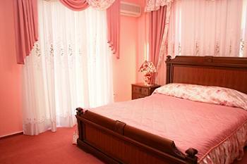 dormitor cu decor romantic
